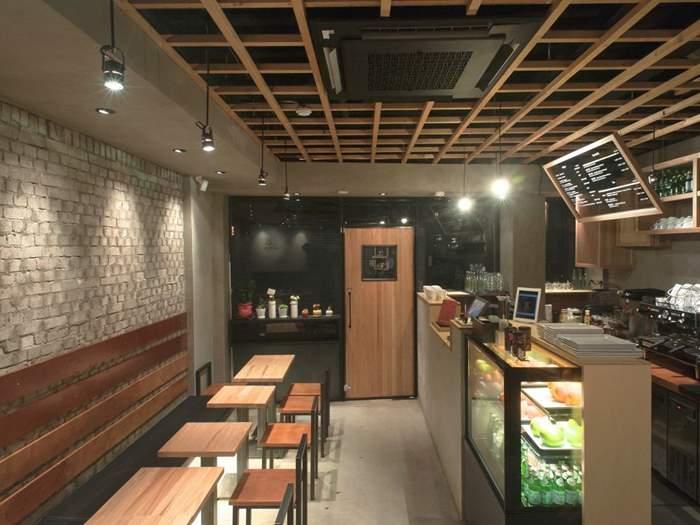 cafe_in.jpg