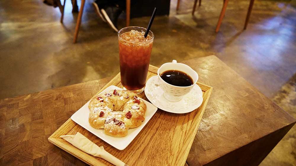 momos_coffee.jpg